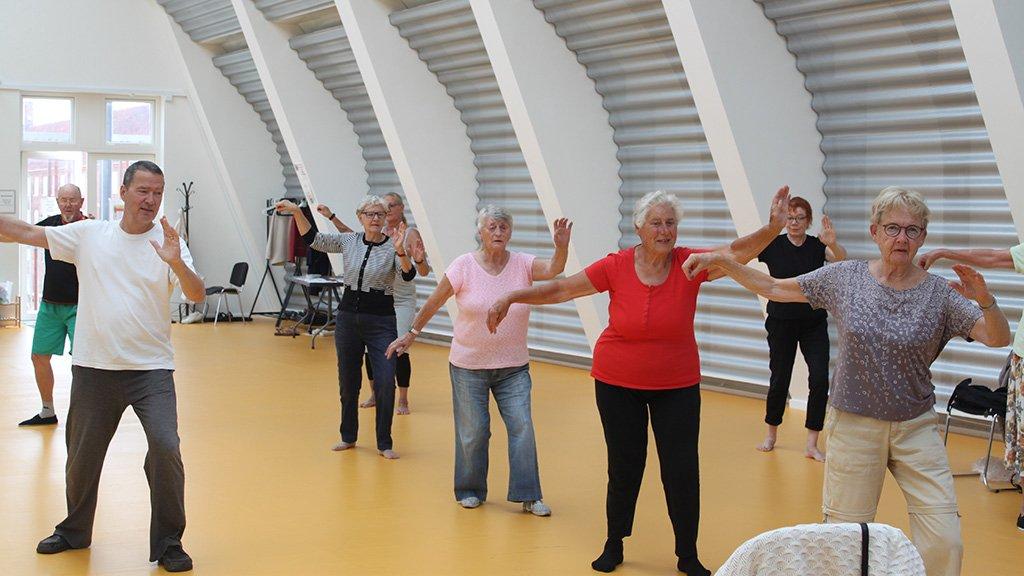 Gymnastik i Kvartershuset i Sydhavnen. Foto. Stine Falkenberg Kehler