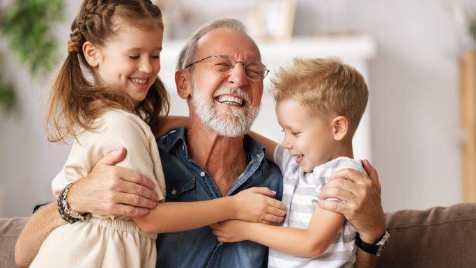 mand to børn senior glade