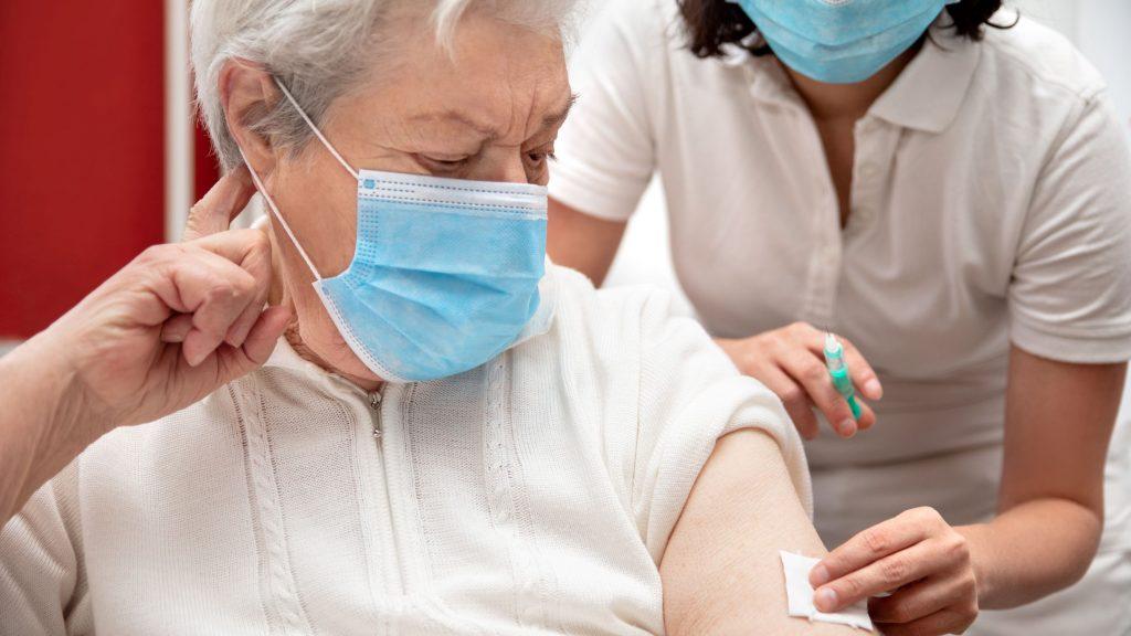 Færre vacciner rammer danskere over 85 år