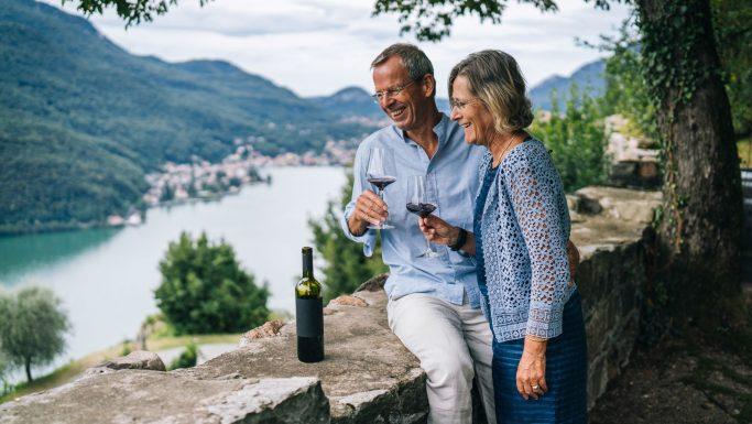 Nye rejsevejledninger par udsigt vin