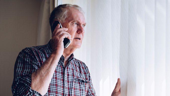 senior ringer politiet