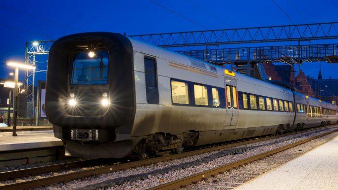 Slut med pladsbillet i togene